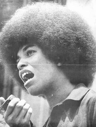 http://idees.rouges.cowblog.fr/images/angeladavis346291.jpg